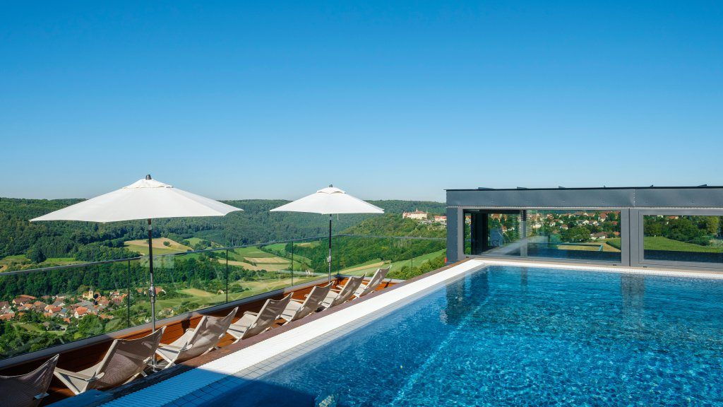 Kurztrips zu Design-Pools, pools, hotel, maxwell resort langenburg