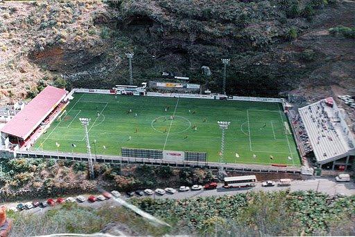 Außergewöhnlicher Fußballplatz, CD Mensajero