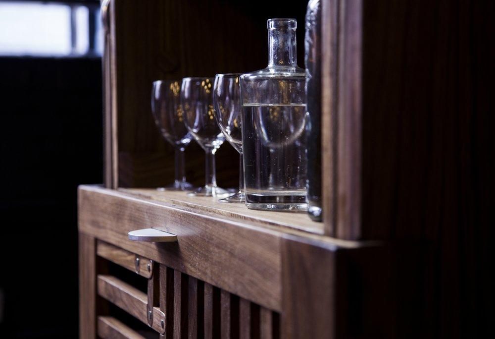 barschrank drink cabinet