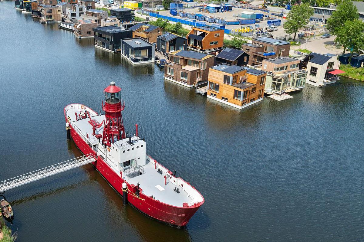 Lightship Amsterdam ungewöhnliche ferienhäuser gentlemens journey