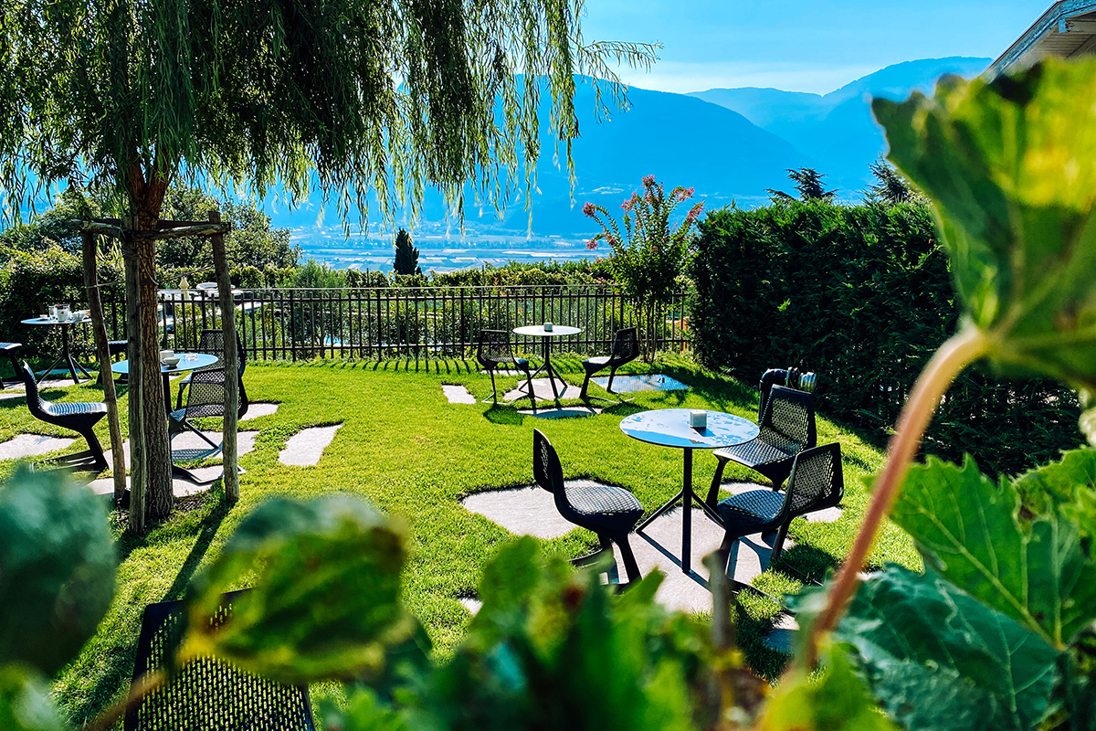 hotel plattenhof tramin südtirol vinum hotel vinum hotels gentlemens journey