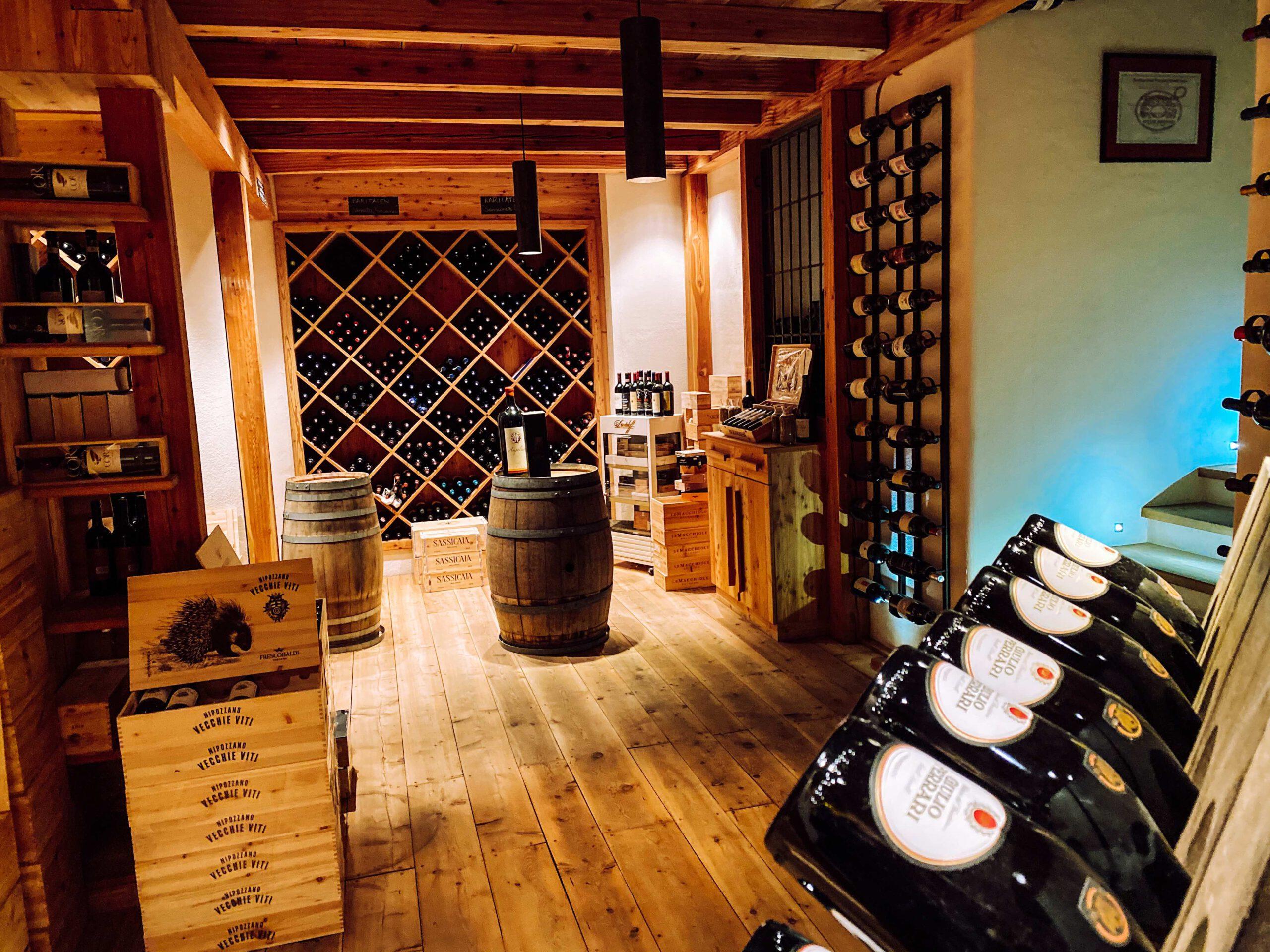 Vinum Hotel Ansitz Plantitscherhof Meran Südtirol Weinkaufsliste weinkeller