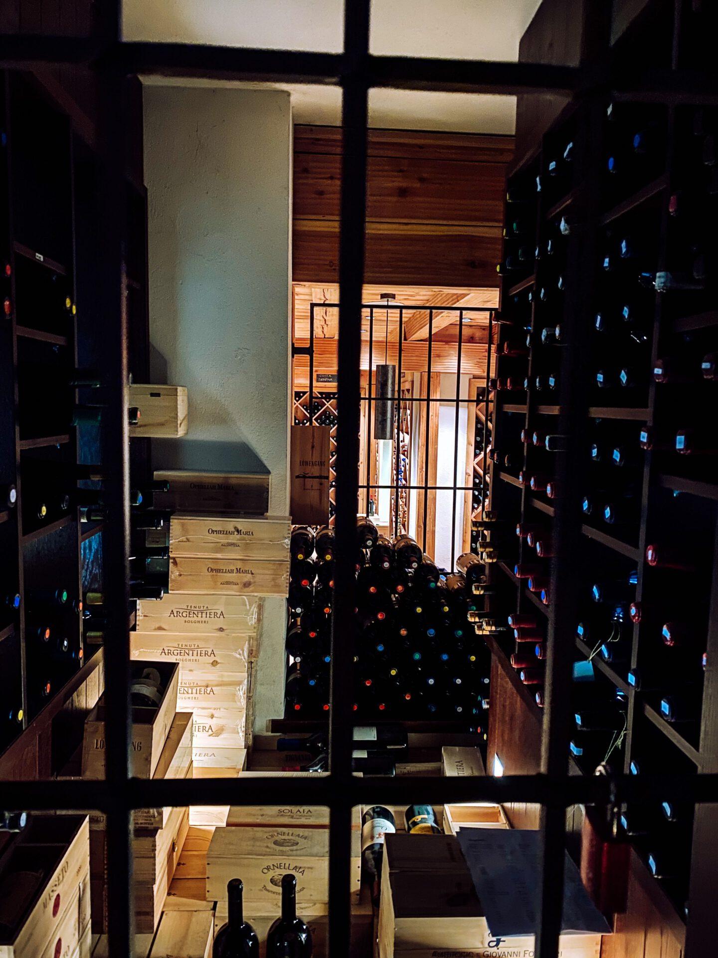 Vinum Hotel Ansitz Plantitscherhof Meran Südtirol Weinkaufsliste weinekeller