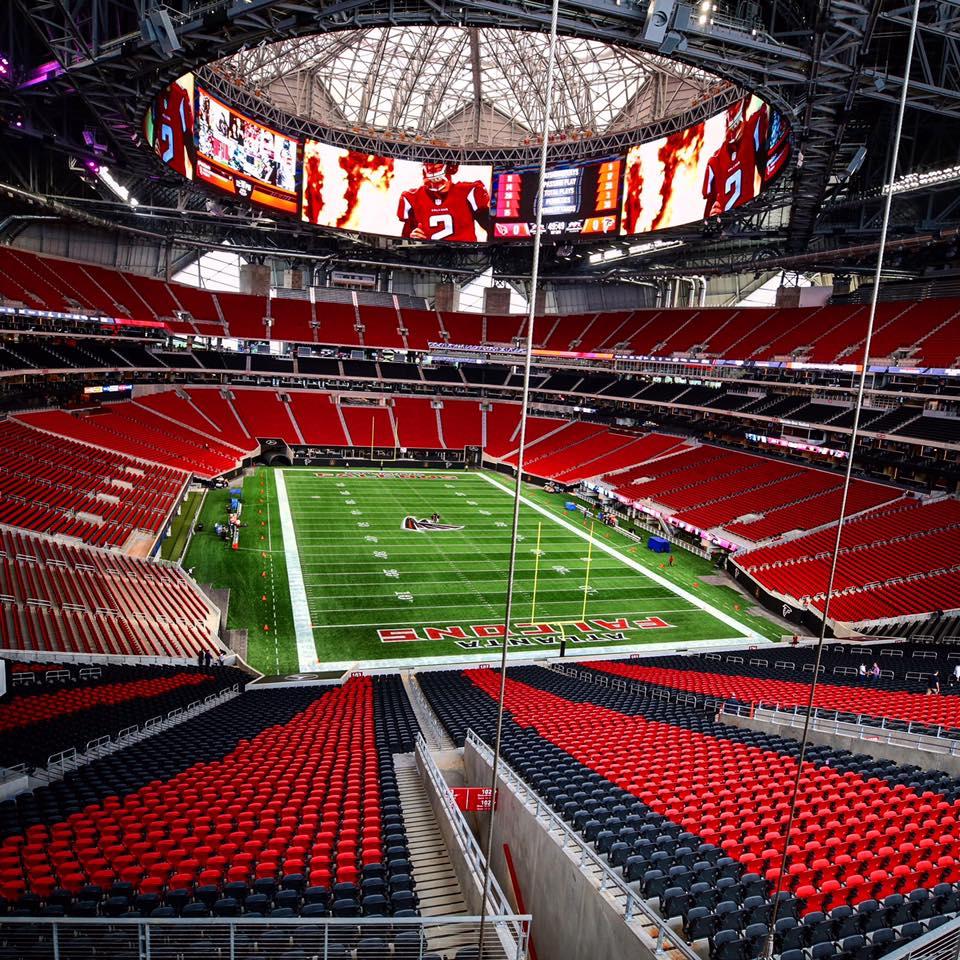 Mercedes-Benz Stadium: NFL-Arena mit Kamera-Dach